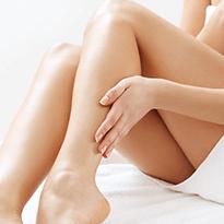 Tratare leziuni vasculare pe picioare cu ajutorul tehnologiei laser in clinica Derma Expert by Elōs